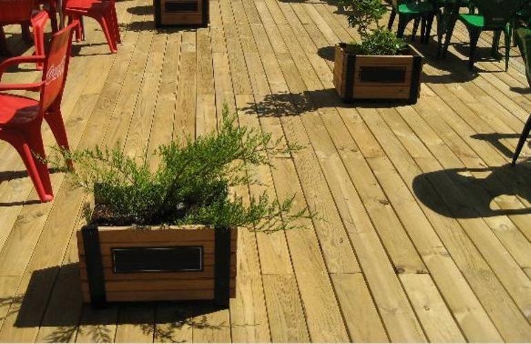 Llena de estilo tu hogar con una tarima interior y - Tarima madera interior ...